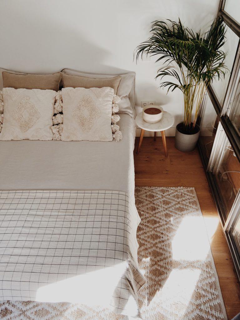 cama con luz